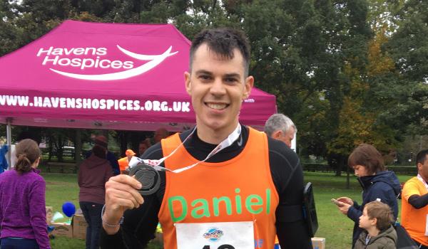 Dan runs marathon for local charity, Kids Inspire